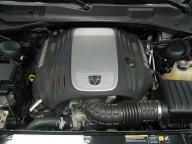 5.7リットル V8HEMI エンジン
