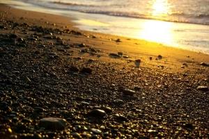 朝陽砂浜−1