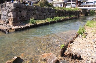 02掲載 船の出入り口(中の井川の河口).jpg