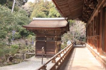 04閼伽井屋と本堂との関係.JPG