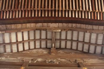 06閼伽井屋の軒裏と本堂の軒裏.JPG