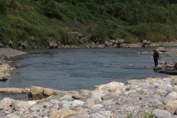 01鮎の生息する川.JPG