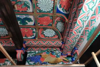 09修復された観音堂の天井.JPG