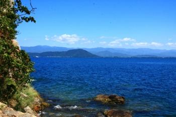 03竹生島から小谷城がよく見える.JPG