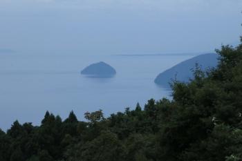 03小谷城から竹生島がよく見える.JPG