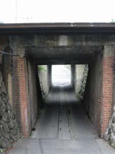 秩父鉄道のガード下