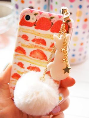 ケーキiPhoneカバーと猫のイヤホンジャックピアス
