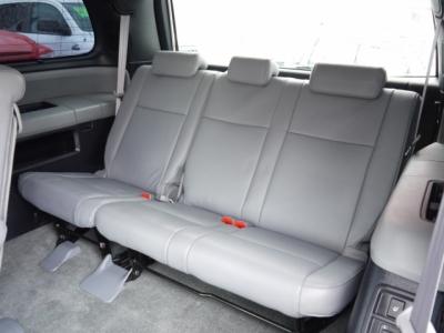 USトヨタ セコイア 3列目サードシート