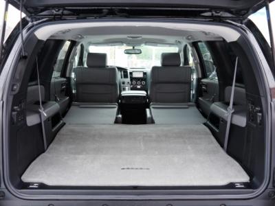 USトヨタ セコイア 荷室カーゴスペース