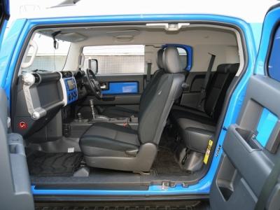 国内モデルFJクルーザー ブードゥーブルー 運転席シート
