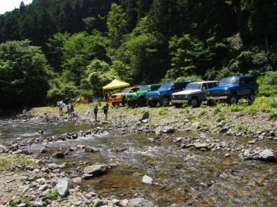 ランクル ボスコオートキャンプ場 子連れで川遊び