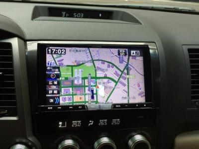 北米トヨタ(USトヨタ)セコイア アルパインBIG-Xナビ装着画像