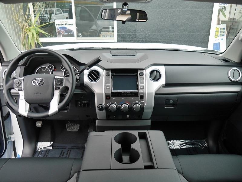 USトヨタ タンドラ2016年モデル 新車 内装.jpg