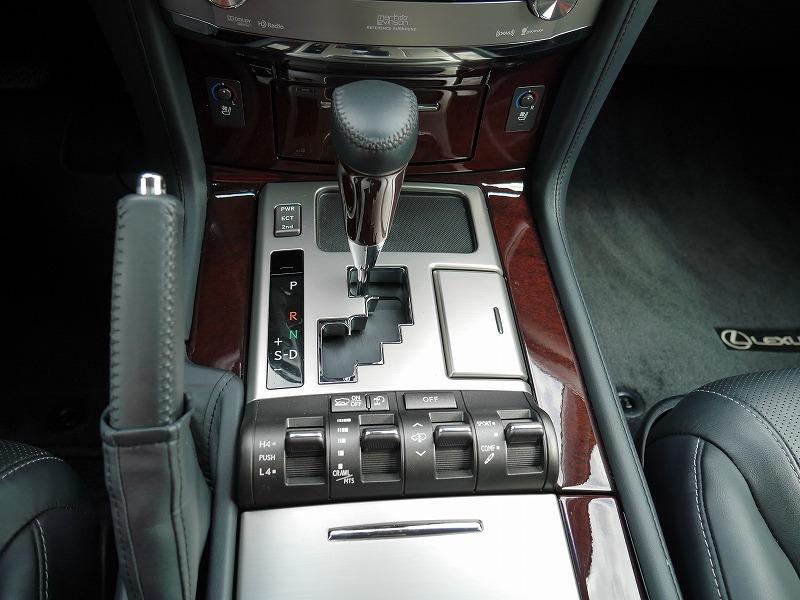2013年モデル 新車並行 レクサス LX570 ラグジュアリーパッケージ シフトレバー 回り