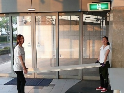 フレックスドリーム_仙台東店_オープン_準備中_女性スタッフ