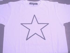 某社のTシャツ