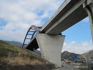 リニアの高架橋
