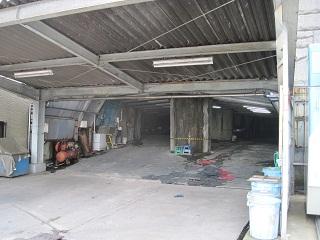 タクシー会社の車庫