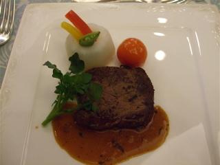 20080223よっちゃん結婚式 特選牛フィレ肉ステーキ 温野菜 ピカントソース