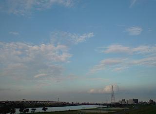 20080901 荒川の土手 空 1