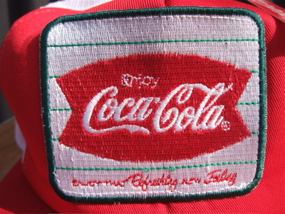 BACKDROP COCACOLA ENJOY COKE コカ・コーラ メッシュキャップ 古着 アメカジ バックドロップ フントヒュッテ 東京 文京区 トリミングサロン 子犬 リード 2.jpg