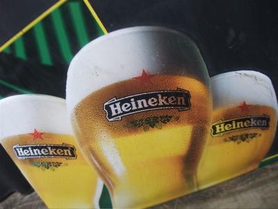 Heinekenハイネケン看板ホーロービンテージ黒板チャンピオンズリーグスポンサーフントヒュッテ東京ビションフリーゼトリミング文京区ビションカットhundehutte2.jpg