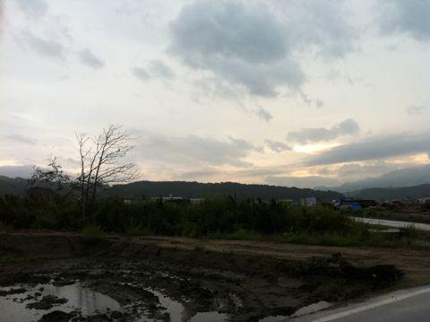 犬と東北旅行わんこと本州最北端大間崎大間のマグロ本州最北端到達証明書「本州最北端の地」の石碑本マグロの一本釣りマグロのモニュメント本州最東端�ヶ埼とどがさき16.jpg