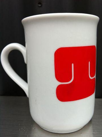 ドイツマグカップマルクトドイツ雑貨のお店小伝馬町リドルデザインバンクfourruofフォアルオブデザイナーほしのしほペーパークロスカバーhundehutte4.jpg