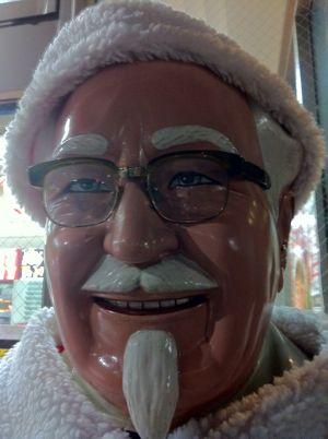Kentucky Chiristmas 2011パーティーバーレルクリスマスケンタッキーフライドチキンケンタッキーのクリスマスを予約しよう。カーネルサンダースカーネルおじさんKFCチキン2.jpg