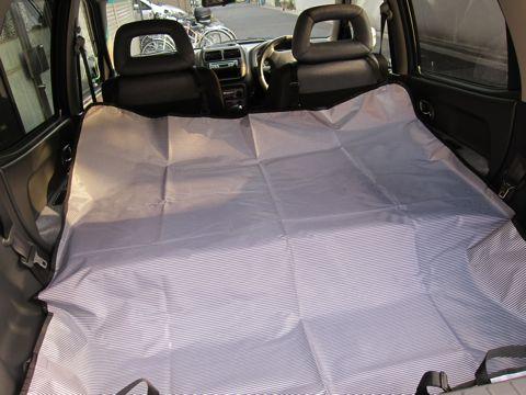 ペットドライブシート車内の汚れを防ぐ簡易型ドライブシート後部座席用アイリスオーヤマIRIS犬車内抜け毛対策シート汚れシートの表面には撥水加工、裏面には防水加工2.jpg