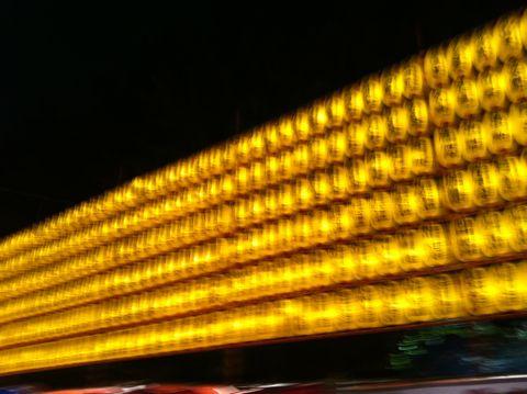みたままつり 靖国神社(Yasukuni Shrine)で13〜16日、約3万灯のちょうちんを掲げて戦没者を慰霊する「みたままつり」が開催されている 2012 みたままつり 時間 2.jpg
