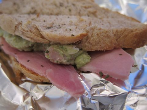サンドウィッチ アボカド ハム サワークリーム バジル 美味しいサンドウィッチ おいしいサンドイッチ 美味しいサンドイッチ ガトーショコラ 2.jpg