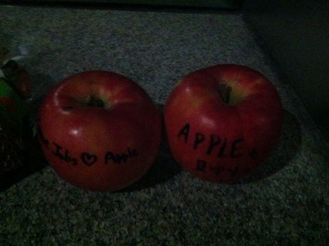 Steve Jobs 1955-2011スティーブ・ジョブスAppleは先見と創造性に満ちた天才を失いました。世界は一人の素晴らしい人物を失いました。2011年10月6日スティーブ・ジョブス氏逝去c.jpg