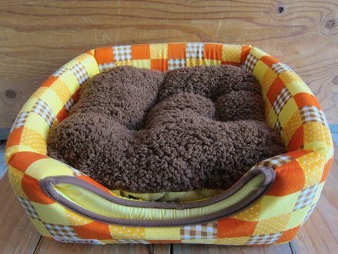 犬用ベッド 犬用カドラー 2WAYカドラー ドーム型 かまくら型 犬用ラウンドベッド かわいい犬用ベッド フントヒュッテ hundehutte 4.jpg