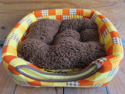 犬用ベッド 犬用カドラー 2WAYカドラー ドーム型 かまくら型 犬用ラウンドベッド かわいい犬用ベッド フントヒュッテ hundehutte 5.jpg