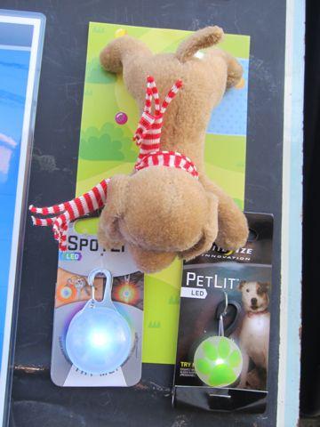 NITE IZE SPOTLIT LED ナイトアイズ スポットライト LEDライト 犬用おさんぽグッズ 夜のおさんぽ 夜道 暗い 犬 バースデーボード作成フントヒュッテ 4.jpg