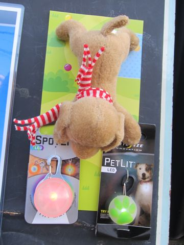 NITE IZE SPOTLIT LED ナイトアイズ スポットライト LEDライト 犬用おさんぽグッズ 夜のおさんぽ 夜道 暗い 犬 バースデーボード作成フントヒュッテ 6.jpg