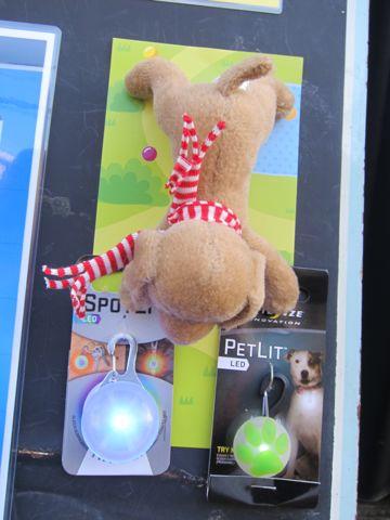 NITE IZE SPOTLIT LED ナイトアイズ スポットライト LEDライト 犬用おさんぽグッズ 夜のおさんぽ 夜道 暗い 犬 バースデーボード作成フントヒュッテ 8.jpg