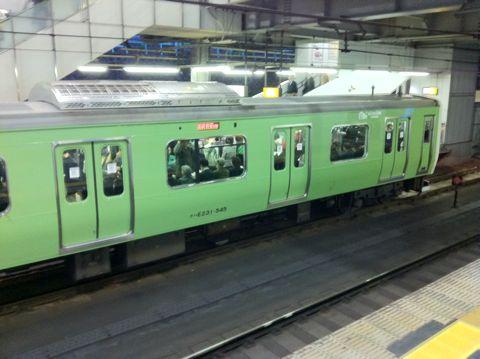 みどりの山手線 復活「みどりの山手線」! ほかにも意外と走ってる昭和カラーの復刻電車 JR東日本 みどりの山手線ラッピングトレイン 103系 みどり色 ウグイス.jpg