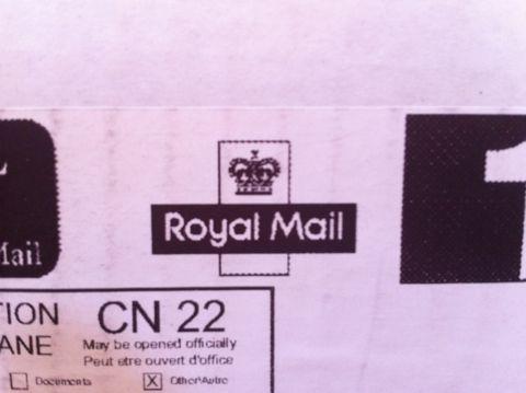Royal Mail ロイヤルメール イギリス(連合王国)で郵便事業を営む企業 AIR MAIL エアメイル エアーメイル Par Avion Royal mailについて Royal mailとは 海外通販 2.jpg