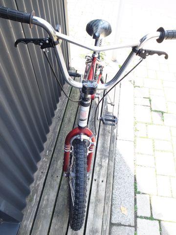KUWAHARA KZ-03 ET20周年復刻版 300台限定の希少モデル 世界300台限定 ET自転車 ET BMX オールドBMX ヴィンテージBMX 80年代当時のフレーム クワハラバイク d.jpg