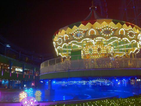 クリスマスイルミネーション2013ラクーアイルミネーション2013東京ドームシティラクーア東京のクリスマス夜景LaQua東京ドーム天然温泉スパヒマラヤ杉巨大クリスマスツリー東京4.jpg