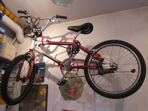 KUWAHARA KZ-03 ET20周年復刻版 300台限定の希少モデル 世界300台限定 ET BMX オールドBMX ヴィンテージBMX ミノウラバイクハンガー MINOURA 自転車壁付け 日本製 3.jpg
