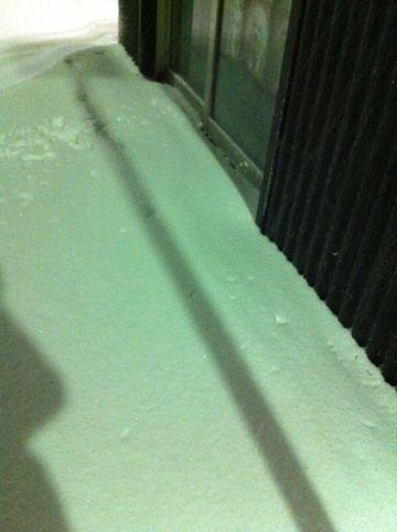 雪 東京 大雪 2014年 天気 天気予報 明日 交通状況 道路状況 雪かき 雪かきスコップ 雪かき 道具 除雪 除雪スコップ プラスチック 鉄製 雪かき コツ 5.jpg