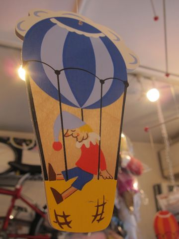 モビール 西ドイツ製 ロイトリンゲン市 Holz-Mobile wooden mobile mobile en bois Made in West Germany 北欧 かわいいモビール 文京区 フントヒュッテ 東京 輸入元 日天商産 h.jpg