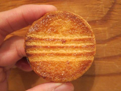 ガレット チーズガレット おいしいガレット 美味しいガレット ガレット食感 サクサク さくさくガレット おいしいガレットのお店 ガレットの食べ方.jpg