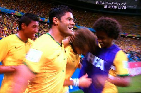 FIFAワールドカップブラジル2014 準々決勝 ブラジル vs コロンビア ロドリゲス ネイマール 脊椎骨折 ダビド・ルイス 無回転FK ベスト4 スニガ.jpg