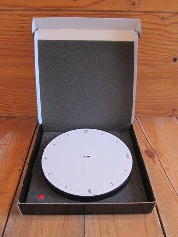 MoMA TimeSphere Clock by Gideon Dagan ギデオン・ダガン デザイン インダストリアルデザイン 工業デザイン 掛け時計 アメリカ製 USA製 MADE IN USA 1.jpg