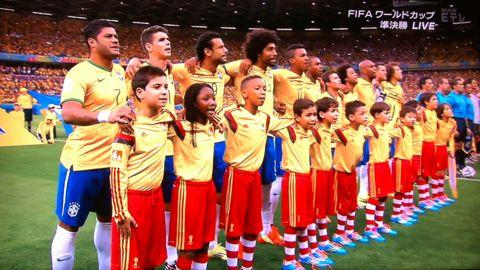 FIFAワールドカップブラジル2014 準決勝 ブラジル vs ドイツ 1-7 7-1 歴史的大敗 惨敗 ダビド・ルイス ベロオリゾンテの屈辱 David Luiz 2.jpg