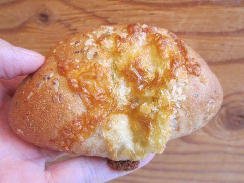パーネ エ オリオ Pane & Olio パン おいしいパン 美味しいパン 護国寺 音羽 文京区 オリーブオイル イタリアの伝統的製法で作る本格的なイタリアパン 小麦 f.jpg